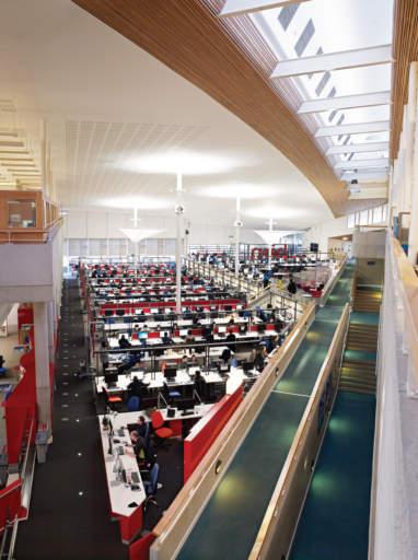4423 382x512 - Sunderland University