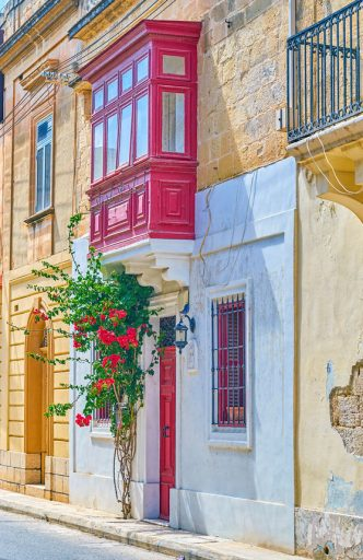 113108641 s 332x512 - Studia na Malcie